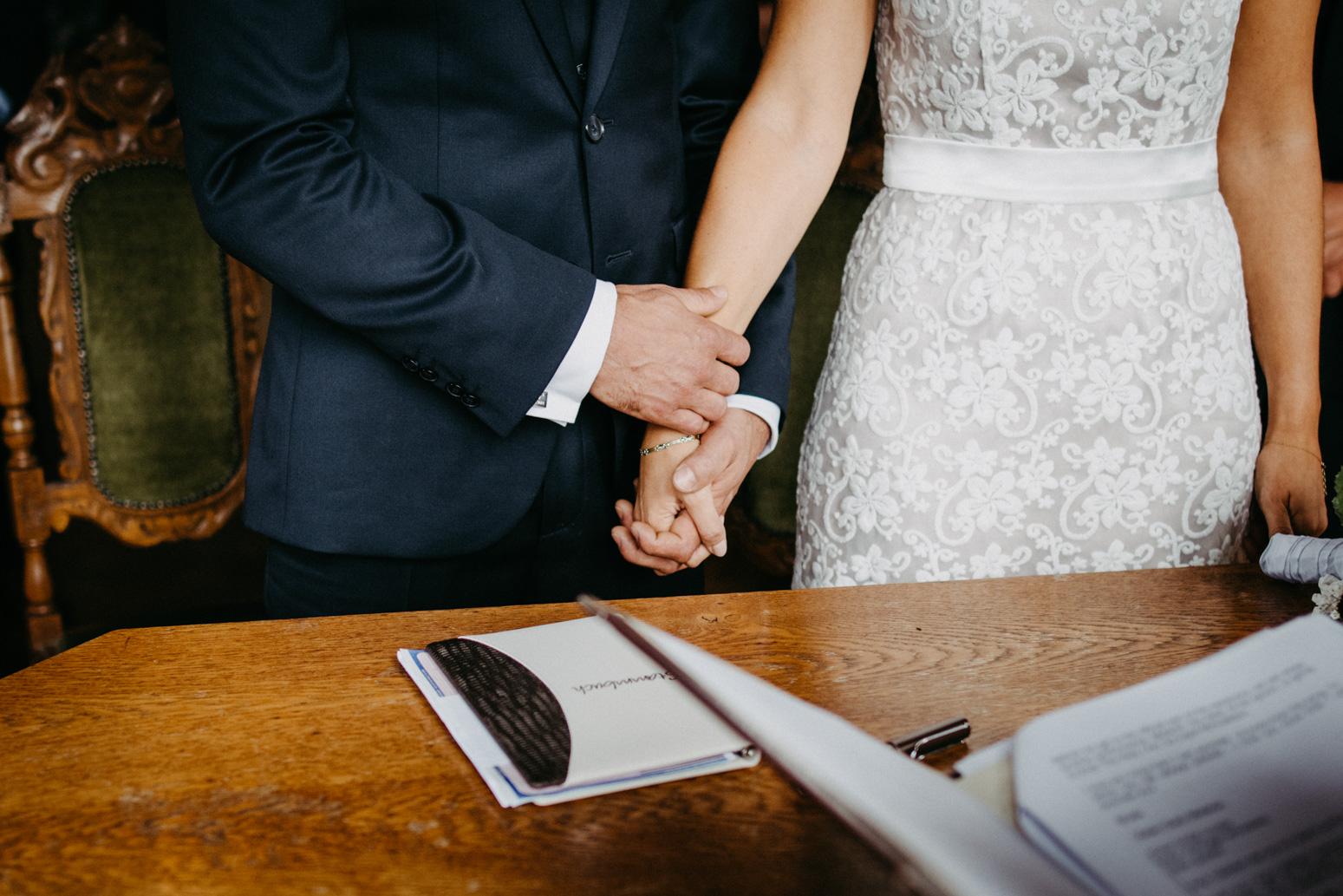 Hochzeitsfotografin Daria Becker bei einer Trauung auf Schloss Drachenburg in Königswinter