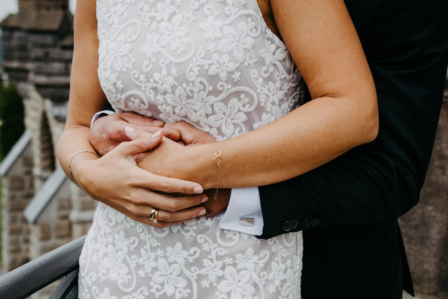 Hochzeits-Paarshooting, fotografiert von der Hochzeitsfotografin Daria Becker auf Schloss Drachenburg in Königswinter