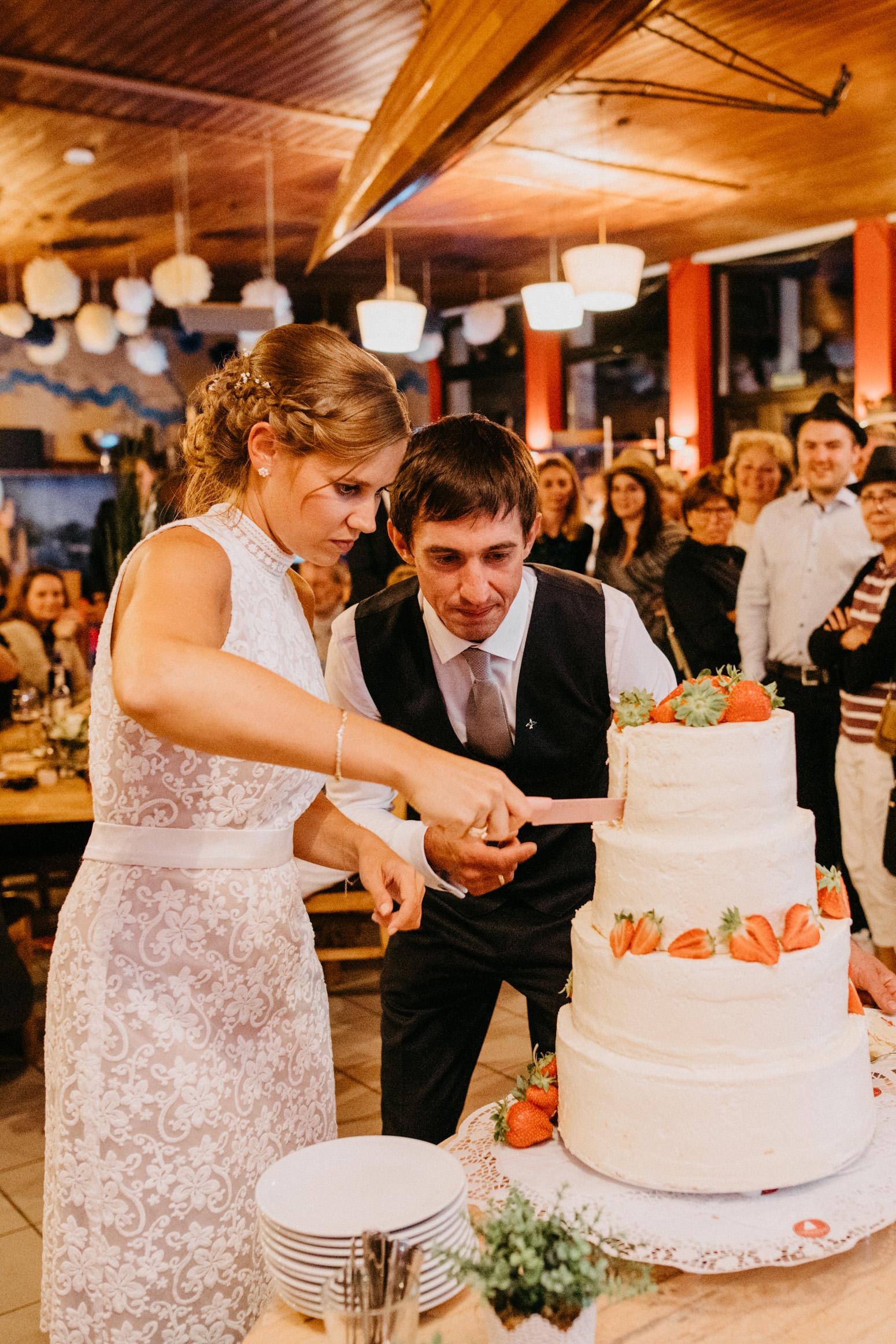 Hochzeit in der R-Lodge in Bad Honnef, fotografiert von der Hochzeitsfotografin Daria Becker von Genuine Bonds