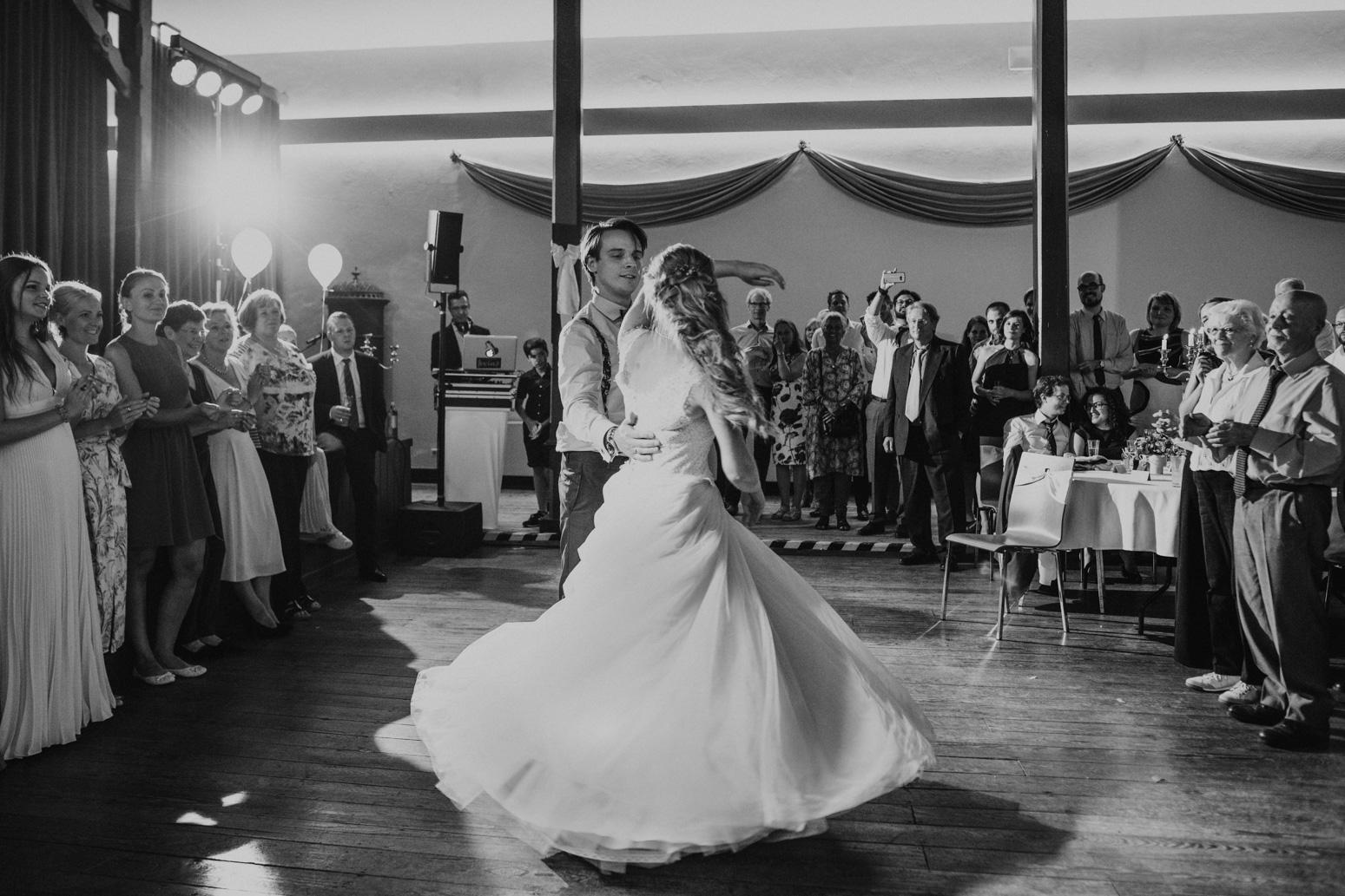 First Dance. Hochzeitsreportage von Daria Becker, Hochzeitsfotograf Köln Bonn