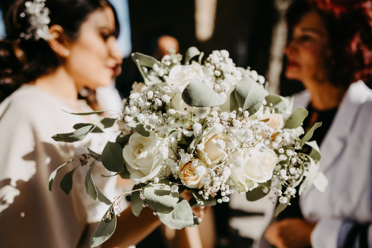 Gratulation und Brautstrauß bei einer türkischen Hochzeit