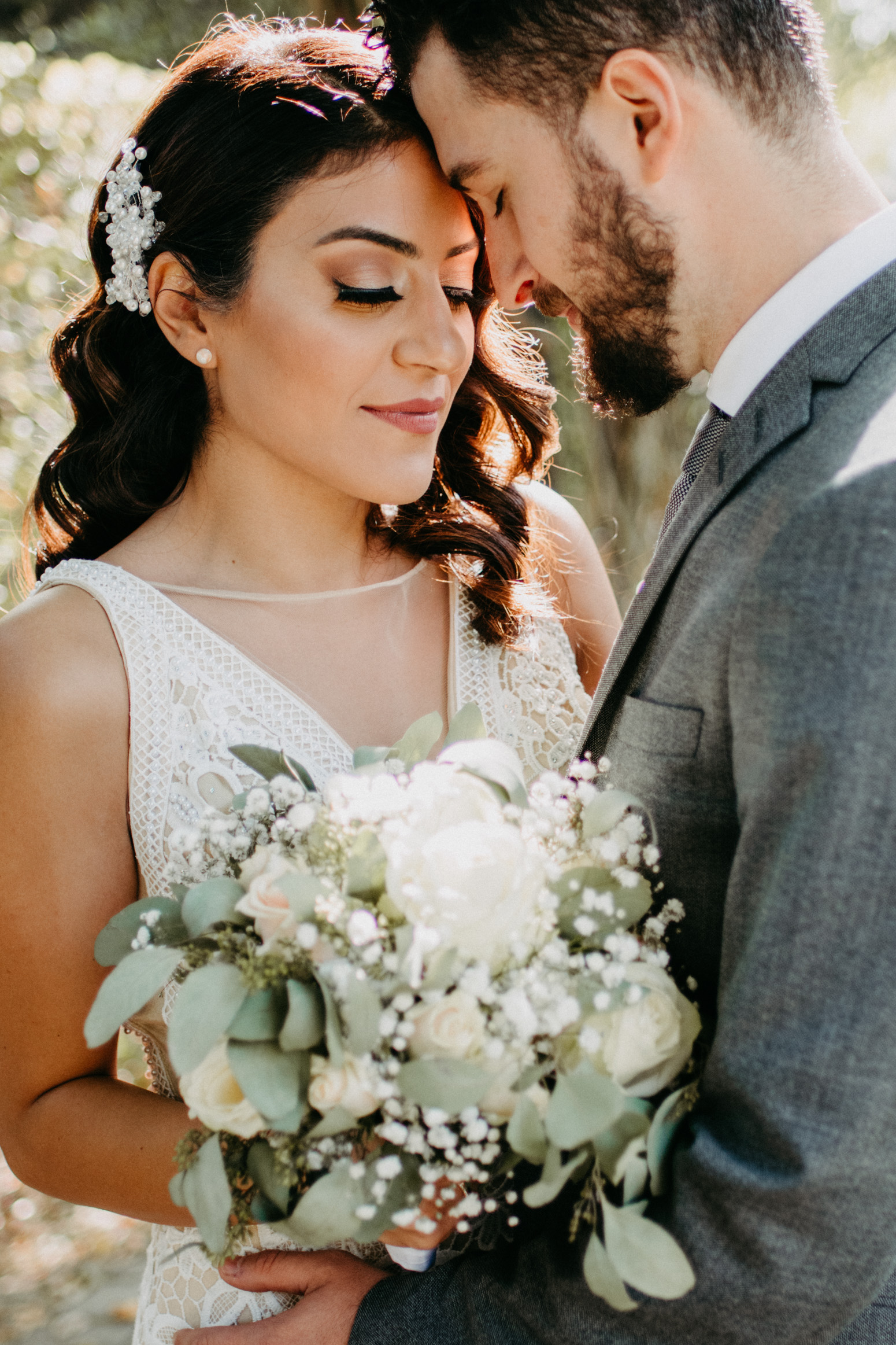 Brautpaar beim Shooting mit der Hochzeitsfotografin Daria Becker von Genuine Bonds
